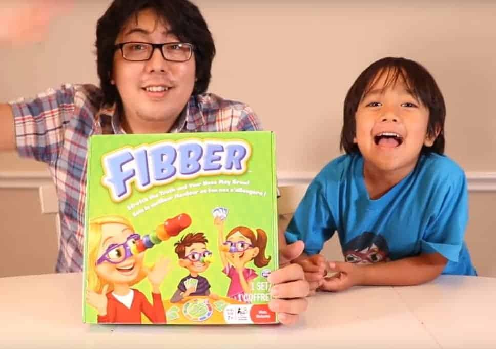 8 Yaşındaki Çocuk YouTube'den 2019'da 26 Milyon Dolar Kazandı!