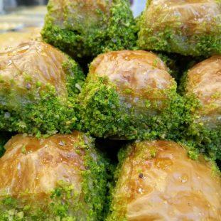 Fransız tatlılarını mı seviyorsun, Türk mü?