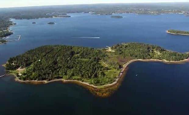 Oak Adası Gizemi – Kazdıkça Sonu Gelmeyen Ada!