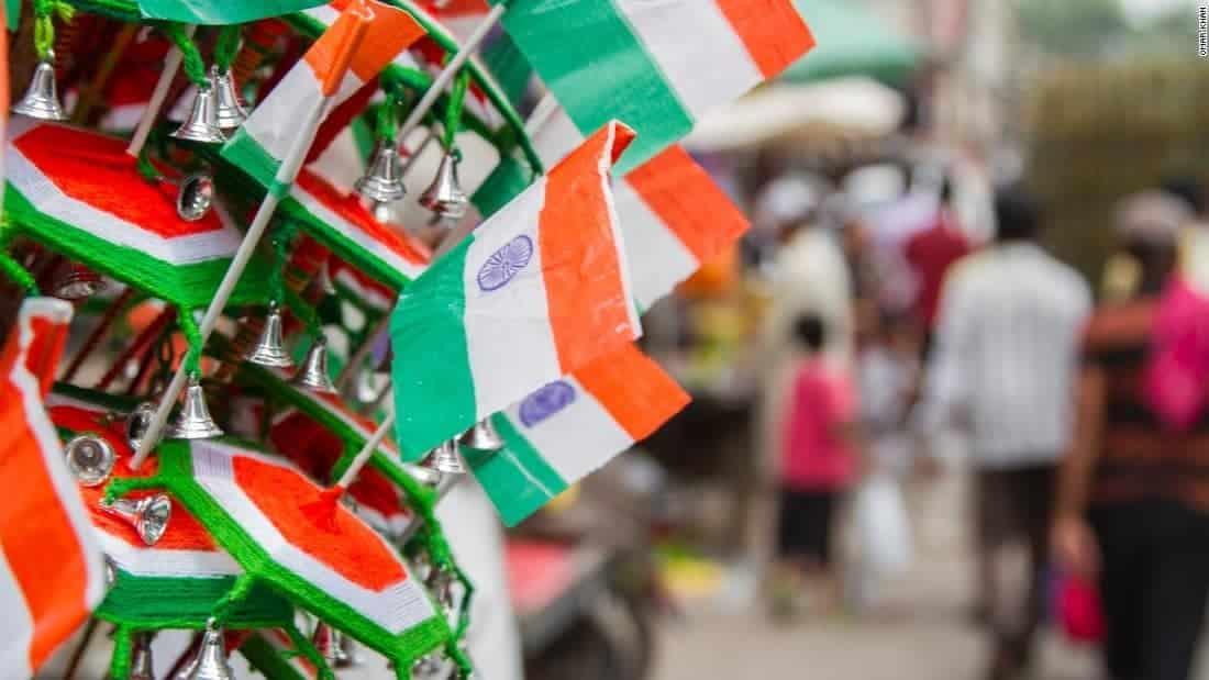Hindistan'da Gençler Baskılara Boyun Eğmedi!