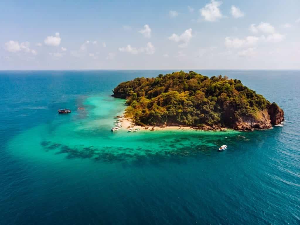 Issız Bir Adada Hayatınızı Kurtarabilecek Öneriler