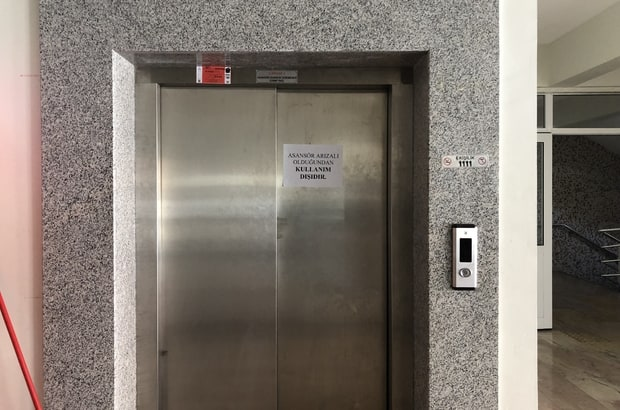 Düşen Asansörde Hayatta Nasıl Kalabilirsiniz?