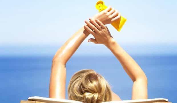 Tatilciler Dikkat: Yeterli Güneş Kremi Kullanın, Az Değil!