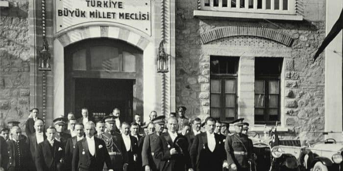 Türkiye Büyük Millet Meclisi'nin (TBMM) İlan Edilmesi (23 Nisan 1920)