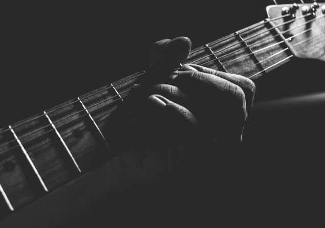 En İyi Online Gitar Kursu – 2021 Güncel – Gitarda Kendini Geliştirmek İsteyenlere 10 Kurs Tavsiyesi